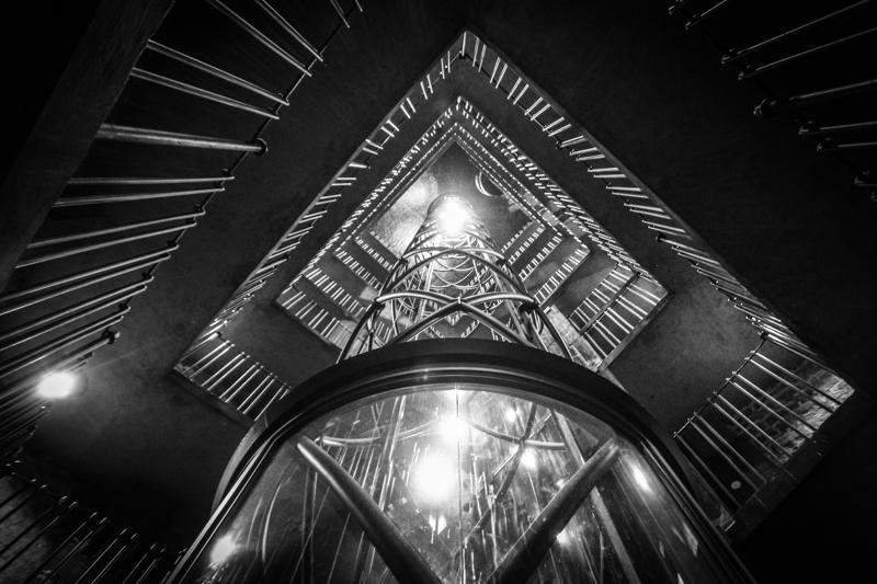great-photo-spots-of-prague-elevator