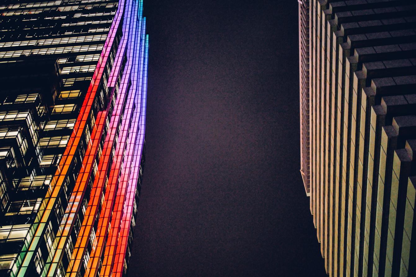 hong-kong-neon-lights-travel-blogger-irish